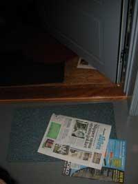 Avisen du får på døra, inneholder ofte reklameinnstikk.