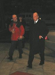 Kong Harald og Moldeordfører Rolf Myhre ved ankomst Rica Seilet klokka 17.