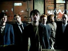 Kaizers Orchestra er tilbake. Fra venstre: Geir Zahl, Rune Solheim, Janove Ottesen, Terje Vinterstø, Jon Sjøen og Helge Risa (Foto: Pressebilde).