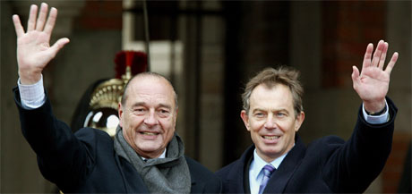 Frankrikes president Jacques Chirac og britenes statsminister Tony Blair møttes i franske Le Touquet i dag. (Foto: Reuters/Scanpix)