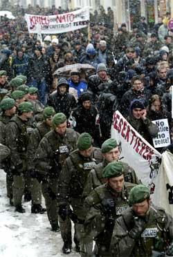 Demonstrasjon mot Irak-krig i München. Foto: Reuters/Scanpix