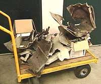 Rester av fotoboksen som ble sprengt.