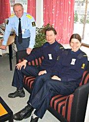 Fengselsdirektør Sigbjørn Hagen og fengselsbetjenter Bente Bratvoldengen og Torstein Moe. Bilde Ragnar Lerfaldet.