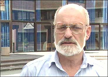 (Foto: Ragnvald Søgnesand, NRK © 1997)
