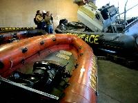 Stor interesse for Greenpeace-båtane