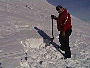 Snøskredekspert Kjell Askildt mener det er stor skredfare i fjellet i år. Foto Astrid Randen.