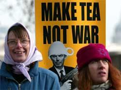 Protestene mot krigsplanene er omfattende over hele Europa. Her fra London. (Foto: Reuters/Scanpix)
