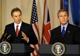 Tony Blair og George W. Bush.