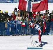 Frode Estil staker ut fra stadion i Val di Fiemme. Foto: Erik Johansen/Scanpix.