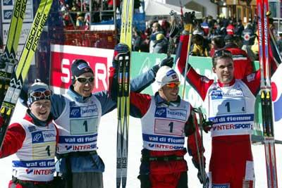 Gullaget i herrestafetten. Fra venstre Tore Ruud Hofstad, Frode Estil, Anders Aukland og Thomas Alsgaard. Foto: Erik Johansen / Scanpix.