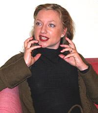 - Det er kjempeviktig for meg at forfatternes stemmer høres, sier Andrea Bræin Hovig. Foto: NRK.