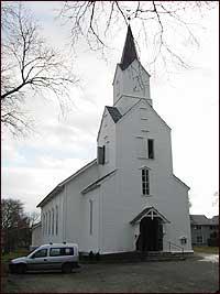 Florø kyrkje. (Foto: Arild Nybø, NRK © 2003)