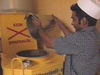 Brukt fett fra McDonald's i Østerrike er noe av det som blir brukt i framstillingen av biodiesel.