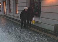 Glatte fortau har vært et tilbakevendende problem om vinteren i Oslo. Foto: NRK