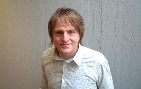 Askil er no endeleg klar med si solo debutplate. Det har han venta på sidan han var fjorten. Foto: Øyvind Andrè Haram, NRK.