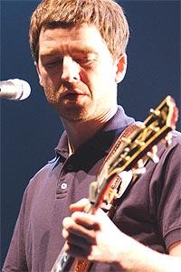 Oasis gitarist Noel Gallagher mener krigsmotstand er fånyttes. Foto: Getty Images.