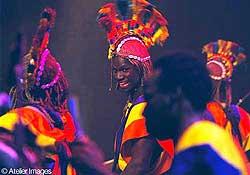 Badenya les Frères Coulibaly er eit fyrverkeri av ei perkusjonsgruppe. Foto © Atelier Images.
