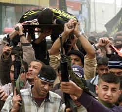 Palestinerne begravet fredag nok en ung mann drept av den israelske hæren. (Foto: A.Awad, Reuters)