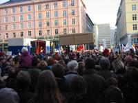 15 000 deltok i demonstrasjonen i Bergen 15. februar i år. (Foto:Sigurd Hamre)