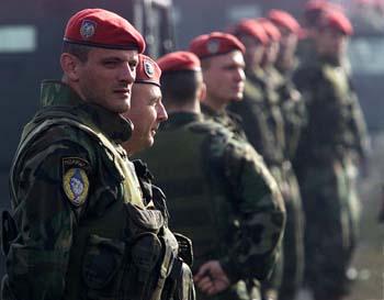 Spesialenheten JSO innen serbisk politi er vedtatt nedlagt med øyeblikkelig virkning. (Foto: I.Milutinovic,Reuters)