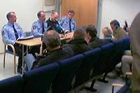 Fra pressekonferansen onsdag ettermiddag (Arne Pedersen nr. 2 fra venstre)