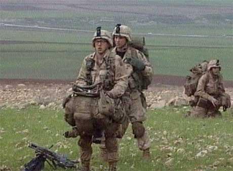 Amerikanske fallskjermjegere kom i dag til Nord-Irak, og kan på lengre sikt forberede en ny front i krigen (Reuters)