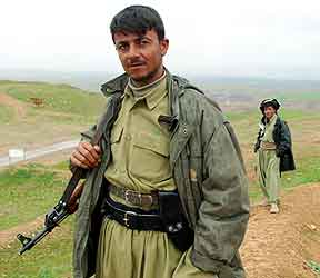 Kurdisk soldat (Foto: Reuters)