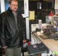 Innehaver Jan Erik Nesbakk sier ranerne fikk med seg alle sedlene i kassaapparatet.