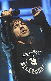 Anthony Kiedis og Red Hot Chili Peppers autoritet og tilskuernes respons da kvartetten forlot scenen var overveldende. Foto: Knut Falch / SCANPIX.