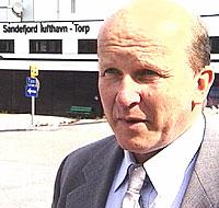 - Jeg advarer ikke mot flyplassplanene på Rygge. Det jeg prøver å si, er at de som jobber med Rygge har et langt stykke å gå, sier Alf-Reidar Fjeld.