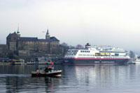 Ms Midnatsol er det siste skipet som er levert frå Fosen Mek. Her under visningstur i Oslo nyleg. Foto: Scanpix.