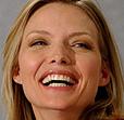 Michelle Pfeiffer, blid og fornøyd
