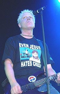 Vokalist og gitarist Bryan 'Dexter' Holland og resten av The Offspring har stjålet platenavnet sitt fra Guns n'Roses. Foto: theoffspring.com.