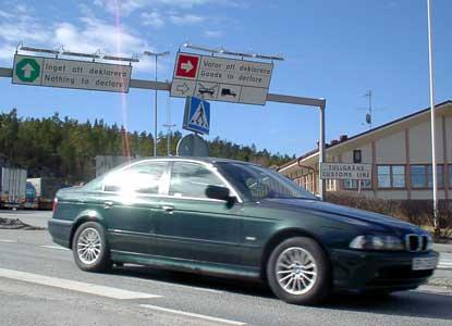 Det er kanskje toller-fritt på svensk side av grensa, men på den norske siden må du nok regne med å se tollere også i sommer. (Foto: Rainer Prang, NRK)
