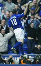 Wayne Rooney jublet etter Evertons første scoring (Foto: Getty Images)
