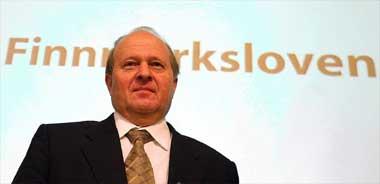 Forslaget til den nye Finnmarksloven, som justisminister Odd Einar Dørum la fram, blir ikke vedtatt. Og det er usikkert om – og når – et kompromiss kan bli klart.