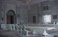 De amerikanske soldatene filmet selv innsiden av ett av Saddams palasser.