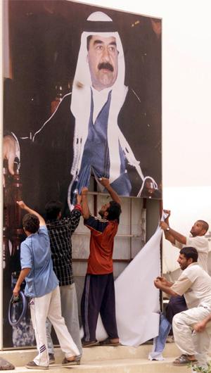 Blandet i den spontane glede over Saddam-regimets fall var det plyndringer i stor stil.