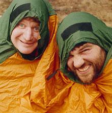 Teltposen, verdens minste telt, er deilig når det blåser.Per Ulrik Kristiansen (til v.) og reporter Ruben Friis...