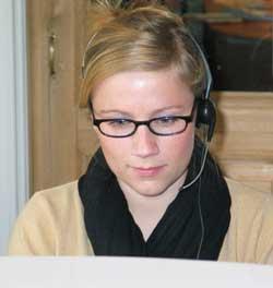 Reisekonsulent Lise Vaaland Eriksen ved Kinareiser har fått mange spørsmål om SARS den siste tiden. (Foto: Kjetil Berg)