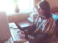 Marianne brukte mye tid på å maile til QXL.