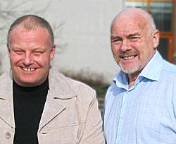 Erik Forfod og Andreas Lunnan leder melodikonkurransen Årets dansebandmelodi i radio og TV lørdag kveld.