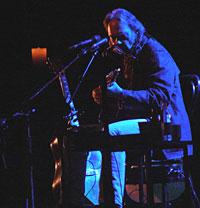 Neil Young trollbandt 2000 mennesker i Grieghallen. Foto: Per Ole Hagen.