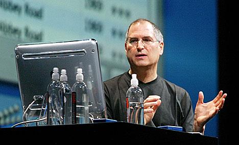 Mandag lanserer Steve Jobs det som kan bli en revolusjon. Foto: Mario Tama, Getty Images.