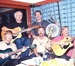 Strie Strenger er Jan Gulbrandsen, Frank Hansen, Svein Johnsen, Rune Kristensen og Sindre Sandvik. Foto: Mariann Torsvik, Varingen.