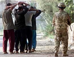 Britisk soldat i Irak (Foto: Scanpix / Reuters)