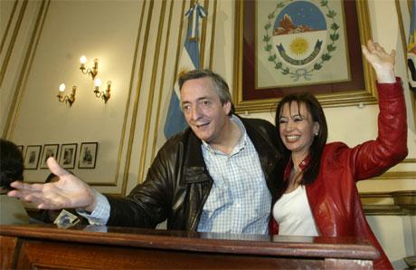 Argentinas president Nestor Kirchner, her med frue.