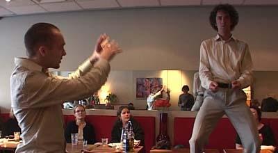 Gaute Askild Næsheim instruerer skuespiller Arnfinn Austlid