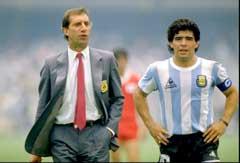 Carlos Bilardo og Diego Maradona under VM i Mexico i 1986. (Foto: Scanpix)