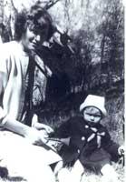 Anne Ardem som liten pike